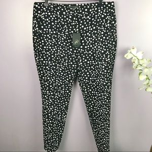 NEW Adrianna Papell Size 14 White Poke a Dot Pants